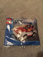 LEGO CITY 30150 MINI-FIGURE & RACING CAR- BRAND NEW & SEALED