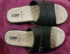 KOBO GREEN LEATHER RIPPLE INNER SOLE  SCUFFS-   SIZE 38 VGC. SUPER COMFORTABLE