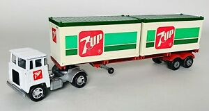 Matchbox Superkings Scammell 7UP Container Transporter K-17 Set