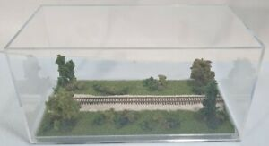 "Z SCALE -SINGLE TRACK 8"" -DISPLAY CASE-""SUMMER  SCENE"" FOR ANY Z TRAINS J3"