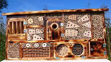 Insektenhotel mit Vogelhaus, Bienenhaus, Bestens für Wildbienen geeignet