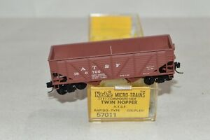 N scale Micro-Trains Line Kadee Santa Fe Ry 33' twin 2 bay coal hopper car train