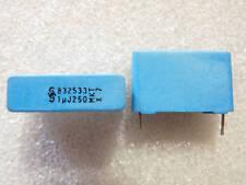 2 condensateurs polyester 1uF 250V 5% Siemens MKT