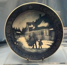 Royal Copenhagen Annual Christms Plate1980 Bringing Home The Christmas Tree U13