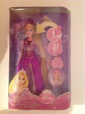 Nuevo Disney Princess Glitter n Luces Rapunzel Muñeca. presione Cuello y joyas de luz
