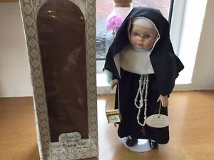 Leonardo Collection Porcelain Doll - Sister Mary