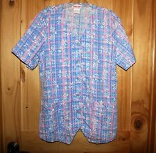 Cherokee SCRUB TOP  size Small   UNIQUE!  FANCY!  button front  Texture  LOT6833