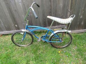 Vintage 1968 Schwinn Stingray Bicycle