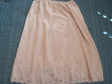 VTG WARNER SHINE ON  Nylon Lace Trim Classy Half Slip Skirt sz S NUDE COLOR