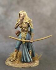 DARK SWORD MINIATURES - DSM1196 Female Elven Archer