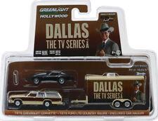Chevy Corvette + Ford LTD Country Squire + Hauler Dallas 1:64 GreenLight 31070