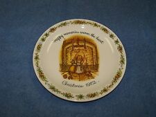 """Holly Hobbie Collectors Plate """"Happy memories warm the heart"""" Christmas 1972"""