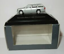 MICRO HERPA HO 1/87 MERCEDES-BENZ E 320 T LIMOUSINE GRIS ARGENT IN BOX