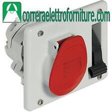 Presa interbloccata supercompatta colore rosso 16A - 3P+T BTICINO CBE316/43