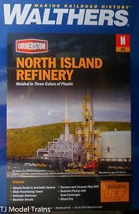 "Walthers N #933-3219 North Island Oil Refinery - Kit - 8-1/16 x 5"" 20.5 x 12.7cm"