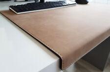 Gewinkelte Schreibtischunterlage Nubuk Leder 70 x 47 Beige