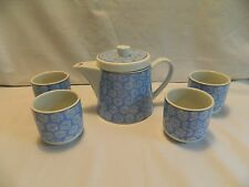 POTTERY HOUSE BLUE & WHITE FLORAL TEAPOT WITH STRAINER & 4 MATCHING TEA CUPS