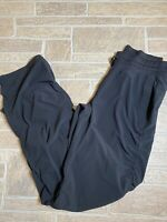 Under Armour Womens Black Ruched Pants Semi Fitted Medium 33 in inseam