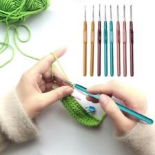 8pcs Crochet Hook Set Plastic Grip Handles Knitting Needles Multi Color Aluminum