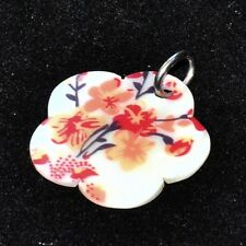 Pendentif fleur en nacre blanc orange rouge bélière acier bijou pendant
