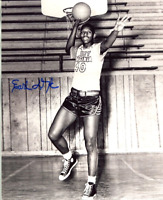 Earl Lloyd Autographed 8x10 Photo