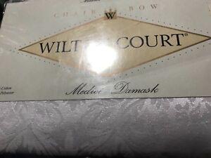 1996  Vintage New Wilton Court Medici Damask Chair Bow white