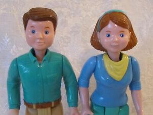 1993 Loving Family Dream Camper RV Mom & Dad Figures Dolls Parents
