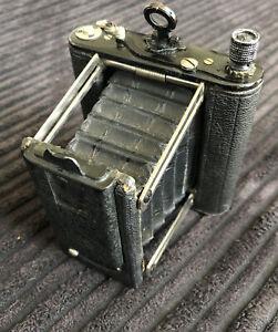 1925 Vintage Salex Pocket Focal Plane Camera