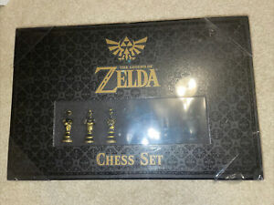 The Legend of Zelda 2016 Chess Set USAOPOLY GameStop Exclusive Complete New!