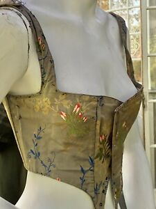 1860 LADIES SWISS WAIST WITH STRAPS IN A ROSEBUD DAMASK