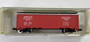 Model Power 3716 N Apples Yakima Valley 40' Northern Refrigerator Car Co. BoxCar