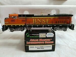 2001 ATLAS MASTER #9058 HO DASH 8-40BW BNSF #580 - with FACTORY DCC - TESTED