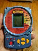 Hand Held Battleship Electronic Handheld Game 2002 Milton Bradley WORKS PERFECT