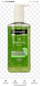 Neutrogena Oil Balancing Facial Wash Lime & Aloe Vera Face Wash For Oily Skin