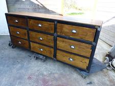 Fabrication sur mesure bois et métal buffet industriel  3 portes 3 faux tiroirs