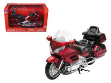 2010 HONDA GOLD WING BURGUNDY 1/12 DIECAST MOTORCYCLE MODEL BY NEW RAY 57253 A