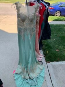Dave and Johnny tiffany and yellow gold long prom evening dress size 3/4