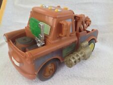 Disney Pixar Cars 2 Tow Mater Secret Spy dépanneuse