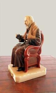 Statua di Padre Pio seduto , 20cm, resina, Made in Italy