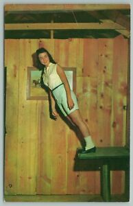 Gatlinburg Tennessee~Mystery Hill Man On Mystery Table~Vintage Postcard