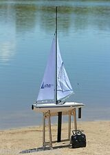 Helion AURA 650 Yate Barco Velero-listo para zarpar con radio incluido