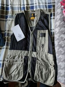 Browning Trapper Creek Shooting Vest, Sage/Black, Size Medium w/ chest protector