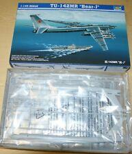Tupolev Tu-142 MR Bear-J in 1/144 von Trumpeter