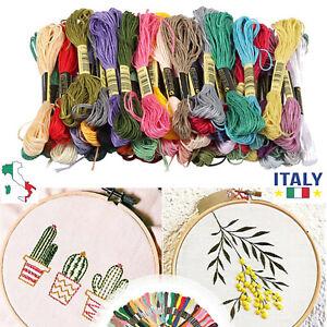 Kit di filo da ricamo per punto croce in matassine in cotone a 50 colori misti