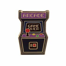 Arcade Machine Émail Pins Broche Badge / Rétro Jeu Armoire BNWT / Neuf Cadeau