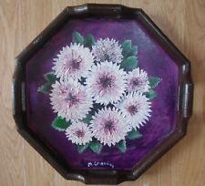 Plateau en bois motif floral à l'huile, fond en peinture vitrail, sign M.Gravier