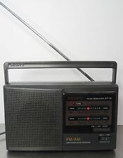 Vintage Kofferradio - Kleines Radio Sony ICF-28 Netz u. Batterie ~1989