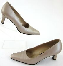 Stuart Weitzman Dress Pumps Pearlescent Champagne Leather Size 6B