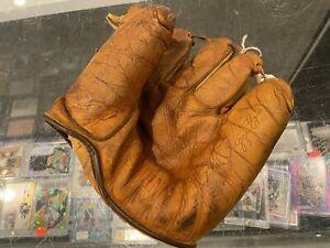 1950'S PHIL RIZZUTO NEW YORK YANKEES SPALDING USA VINTAGE BASEBALL GLOVE JPG