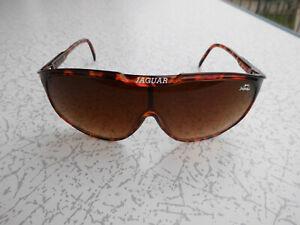 Sonnenbrille der Marke JAGUAR